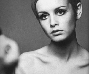 twiggy, model, and black and white image