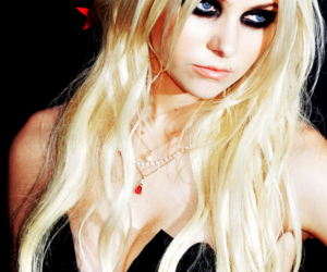 Taylor Momsen, black, and blonde image