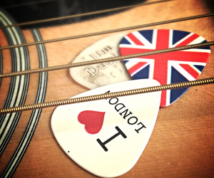 guitar, london, and music image