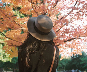 girl, hat, and autumn image