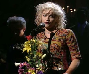 flowers, gwen stefani, and music image