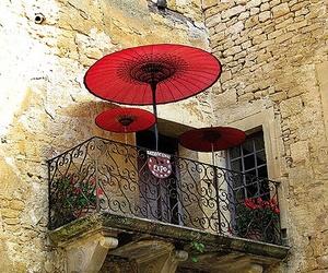 balcon, fenetres, and parasol image