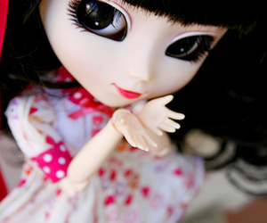 beauty, blythe, and bow image
