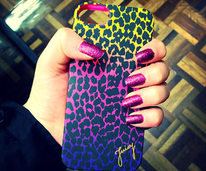 nails and case image