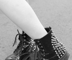 black, boots, and punk image