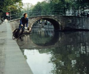 bike and amsterdam image