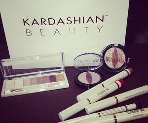 beauty, kardashian, and fashion image