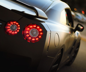 car and gtr image
