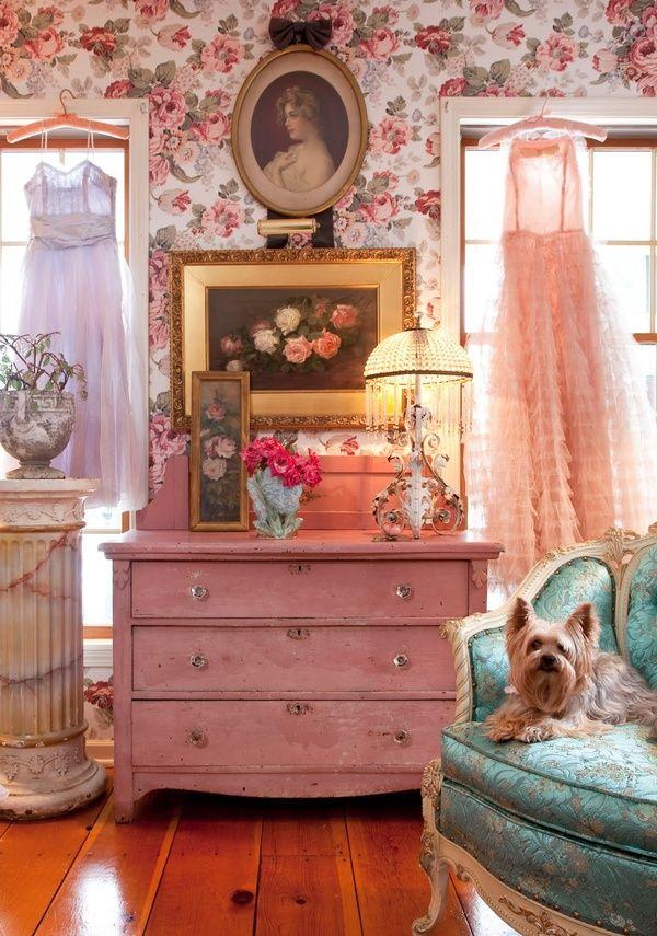 Vintage dressing room in pink, teal and cabbage rose ...