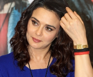 funny video, preity zinta, and bollywood news image