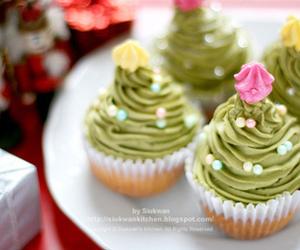 cupcake, christmas, and christmas tree image