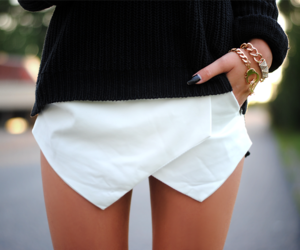 blogger, fashion, and legs image