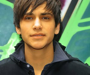 luke pasqualino and skins image