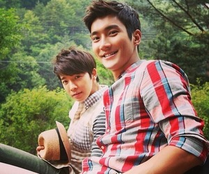 siwon, super junior, and donghae image
