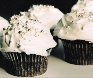 cake, cupcake, and frosting image