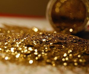 gold and glitter image