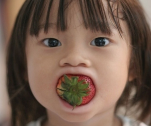 strawberry, asian, and funny image