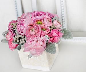centerpiece, flowers, and gray image