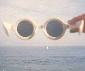 vintage, sunglasses, and hipster image
