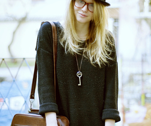 fashion, girl, and ray ban image