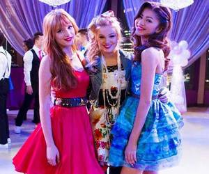 bella thorne, shake it up, and zendaya image