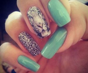 nails and tiger image