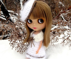 blonde, crochet, and blythe doll image