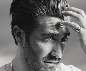 jake gyllenhaal and Hot image
