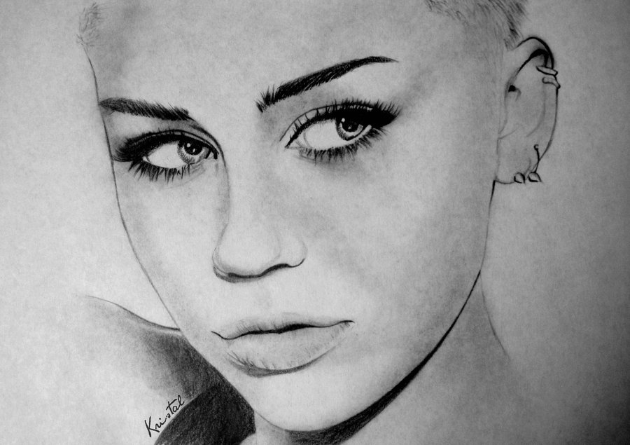Miley Cyrus Uploaded By Dany Moreno On We Heart It