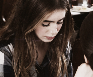lily collins and abduction image