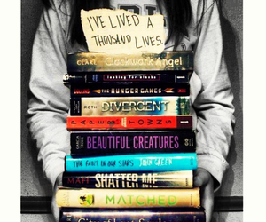divergent and books image