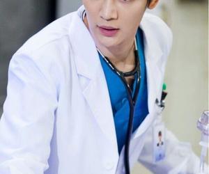 SHINee, choi minho, and medical top team image