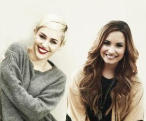 demi lovato, miley cyrus, and demilovato image