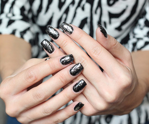 girly, nailsart, and glitter image
