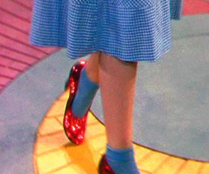 Dorothy Gale, judy garland, and ruby slippers image