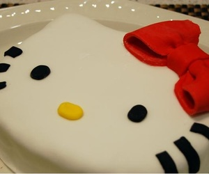 cake, cakes, and hello kitty image