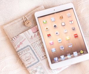 ipad, apple, and pink image