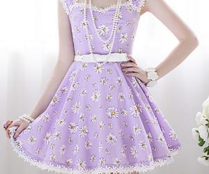fashion, daisy, and dress image