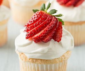 beautiful, cupcake, and delicious image
