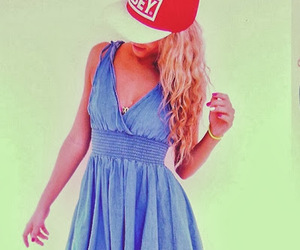 blonde, snapback, and curly hair image
