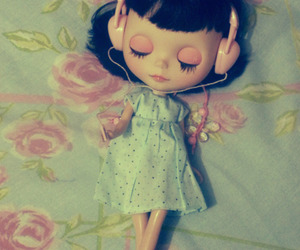 blythe and headphones image