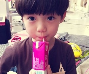 cute, baby, and exo image