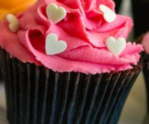 cupcake, dessert, and party image
