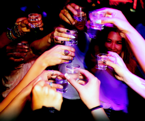 drink, festa, and night image