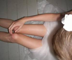 anorexia, petite, and skinny legs image