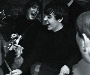 Paul McCartney, john lennon, and the beatles image