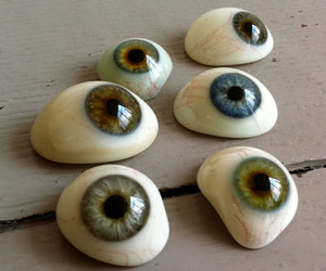 eyes and stone image