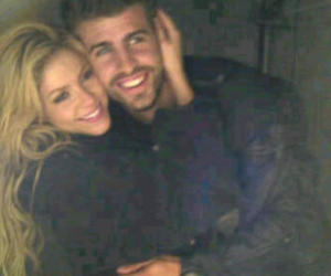 shakira, love, and pique image