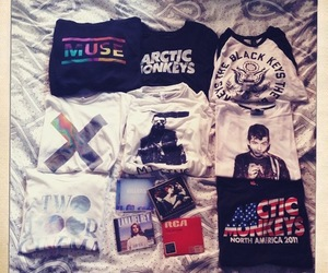 shirt, arctic monkeys, and muse image