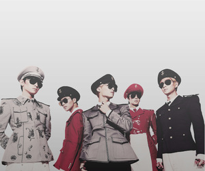 SHINee and everybody image